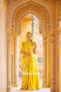 yellow-poshak-one